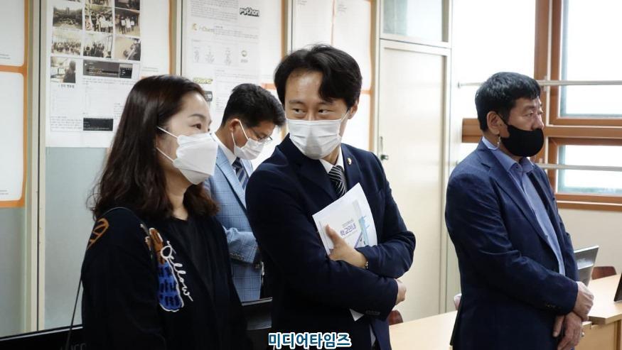 이탄희 의원, 보정고 간담회 모습.jpg