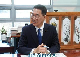 김주영 의원.jpg