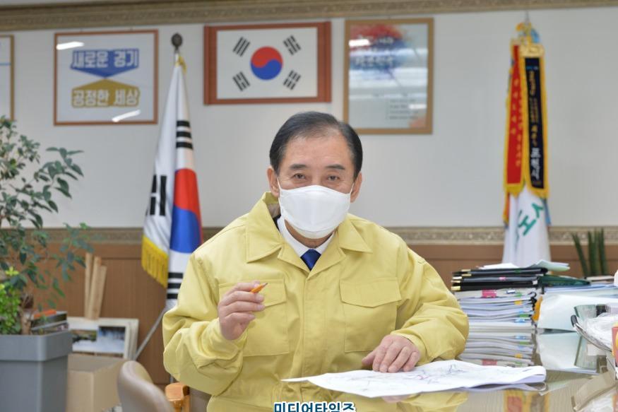 박윤국 포천시장3.JPG