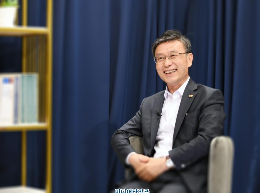 1. 정하영 김포시장.JPG